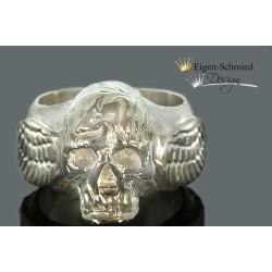 Skulls wings