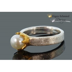 "Ring with pearl ""Timeless..."